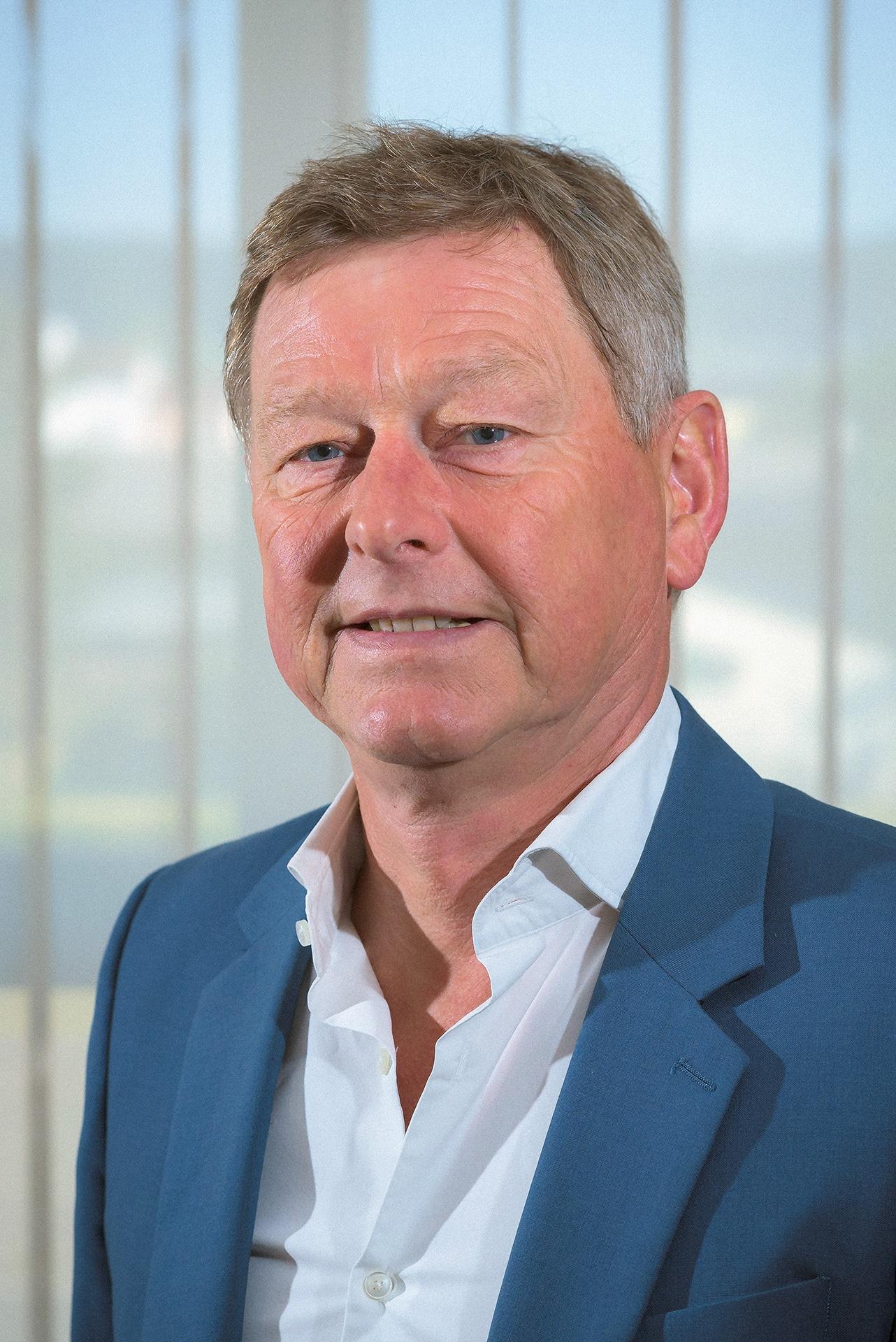 Dominique CHAUVIN, constructeur de batiments commerciaux